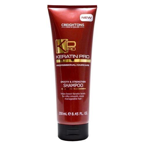 CREIGHTONS Шампунь укрепляющий и увлажняющий с кератиномCreightons<br>Укрепляющий и увлажняющий шампунь для волос с кератином. Бережно очищает волосы от корней до самых кончиков, борется с пушением, придает волосам блеск, делая их гладкими и легкими в укладке. Подходит для всех типов волос.<br>Линия Keratin Pro со специальной кератиновой формулой направлена на повышение уровня содержания природного Кератина в волосах, который является залогом гладких и послушных волос.<br>Кератин Proобеспечивает интенсивный уход за волосами, который помогает укрепить волосы и восстановить их эластичность. Волосы становятся легкими в укладке и шелковистыми.Подходит для ежедневного использования.<br><br>Вес г: 270<br>Бренд: Creightons<br>Объем мл: 250<br>Тип волос: все типы волос<br>Действие: увлажнение, укрепление, разглаживание<br>Тип средства для волос: шампунь<br>Страна производитель: Великобритания