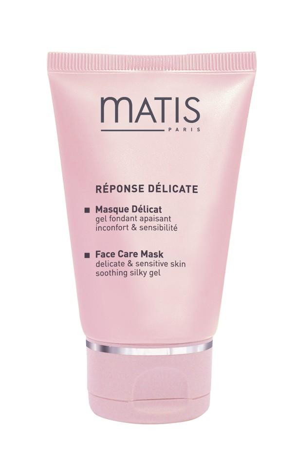Matis Линия для чувствительной кожи Успокаивающая маска 50 млMatis<br>Великолепная успокаивающая маска для облегчения страданий чувствительной кожи. Снимает раздражения, уменьшает покраснения кожи. Наполняет эпидермис множеством смягчающих активных компонентов. Увлажняет, расслабляет и освежает чувствительную кожу. Гелеобразная текстура дарит коже небывалый комфорт. Нежный аромат вербены и ромашки привносит ощущение свежести.<br>Способ применения:<br>Наносить на тщательно очищенную кожу лица и шеи или локально на места раздражения. Оставить на 10 мин, затем удалить ватными дисками, пропитанными Лосьоном из цветов липы.<br>Особенности состава:<br>Матисферы S (содержат василек, ромашку, липу), Матисферы С (содержат календулу, зверобой, лекарственную ромашку), Витамарин (водоросли), Аллантоин<br>Состав:<br>DIMETHICONOL, PARFUM (FRAGRANCE), ALLANTOIN, PHENOXYETHANOL, PARAFFINUM LIQUIDUM (MINERAL OIL), GLYCERYL LINOLEATE, TOCOPHERYL ACETATE, SUCROSE PALMITATE, LECITHIN, SORBITAN STEARATE, POLYSORBATE 60, DOCOSAHEXAENOIC ACID,EICOSAPENTAENOIC ACID, CAPRYLYL GLYCOL, TOCOPHEROL, CHLORPHENESIN, CITRIC ACID, POTASSIUM SORBATE, BHT, PROPYLENE GLYCOL, GUAR HYDROXYPROPYLTRIMONIUM CHLORIDE, SODIUM DEHYDROACETATE, CI 42090 (BLUE 1), BENZOTRIAZOLYL DODECYL P-CRESOL, CI 14700 (RED 4), LINALOOL, CITRAL, ALPHA-ISOMETHYL IONONE, HEXYL CINNAMAL, LIMONENE, HYDROXYCITRONELLAL, GERANIOL.<br><br>Вес г: 110<br>Бренд : Matis<br>Объем мл: 50<br>Тип кожи : чувствительная<br>Консистенция маски : кремообразная<br>Часть лица : лицо<br>Возраст : 18<br>Назначение маски : увлажняющая, противовоспалительная<br>Страна производитель : Франция