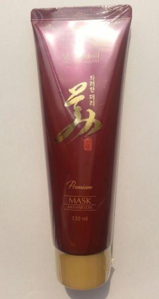 DOORI Daeng Gi Meo Ri Premium Маска против выпадения волосDoori<br>Маска против выпадения волос.Сбалансированный комплекс ферментированных растительных экстрактов, кератинового протеина и настоя корня аира болотного обеспечивает интенсивное питание и увлажнение, укрепляет корни волос, способствует их росту, устраняет статическое электричество, защищая волосы от внешних повреждений.Маска оказывает антиоксидантное, тонизирующее и восстанавливающее действие, укрепляет волосиные фолликулы. способствует росту волос.В результате волосы становятся здоровыми, густыми, эластичными и блестящими.<br><br>Вес г: 150<br>Бренд : Doori<br>Объем мл: 120<br>Тип волос : тонкие и ослабленные, все типы волос<br>Действие : укрепление, от выпадения волос<br>Тип средства для волос : маска<br>Страна производитель : Корея