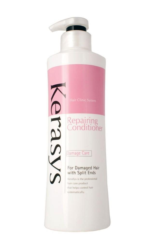 KeraSys Кондиционер для волос Восстанавливающий (600 мл)KeraSys<br>Специально разработанная формула для поврежденных волос с секущимися концами, восстанавливает структуру волос по всей длине, уменьшает сечение и ломкость. Волосы обретают жизненную силу, блеск и эластичность. Эффективность применения доказана клинически институтами дерматологии Германии и США.<br>Тип волос: Поврежденные волосы вследствие частого химического и теплового воздействия, тусклые, секущиеся, пересушенные на концах<br>Результат применения<br>В 2.2 раза больше силы и блеска;<br>На 58% больше защиты от солнечного воздействия;<br>Восполняется недостаток собственного белка в структуре волос.Kerasys – профессиональный за волосами в домашних условиях.<br><br>Вес г: 650<br>Бренд : KeraSys<br>Объем мл: 60<br>Тип волос : поврежденные<br>Действие : УФ защита<br>Тип средства для волос : кондиционер<br>Страна производитель : Корея