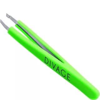 Divage Dolly Collection Пинцет для бровей (зеленый)Divage<br>Пинцет со скошенными кончиками предназначен для коррекции формы бровей. <br>Пинцет изготовлен из нержавеющей стали и подлежит особой заточке. <br>Идеально прилегающие заточенные кончики пинцета максимально плотно <br>захватывают и удаляют самые тонкие и короткие волоски. Не скользящая <br>силиконовая поверхность ручек делает его более удобными в использовании,<br> а толщина стали, из которой изготовлен пинцет, не дает прогибаться <br>рабочим поверхностям.<br>Корректируй брови после принятия ванны или душа. Поры под воздействием <br>пара расширяются, и волоски удаляются легко и безболезненно. Чтобы <br>процедура была менее болезненная можно протереть брови кубиком льда. <br>Выдергивай волоски по направлению  роста волос. Не обрывай волоски, а <br>плавно их вытягивай.<br><br>Вес г: 30<br>Бренд : Divage<br>Страна производитель : Россия