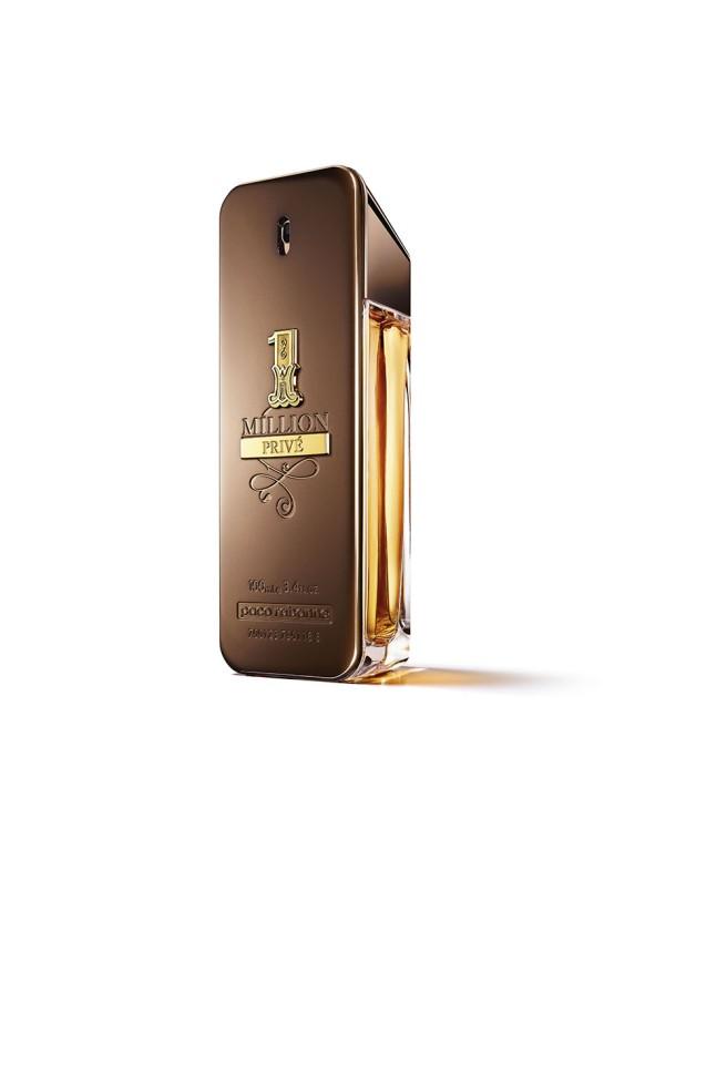 Paco Rabanne 1Millione Prive Парфюмерная вода 100 мл.Paco Rabanne<br>Аромат с восточными акцентами смолы мирра и матовой глубиной табака заключен в дорогой флакон. Благородные теплые золотые и медные тона подчеркивают его статусность. 1 Million Prive эффектно раскрывает грани аромата: элегантный, иногда фривольный и всегда на грани. Он неожиданный. Всегда выходит за рамки и обязательно…интенсивный. В сердце аромата кальянный табак дополнен благородной миррой. В базе аромата терпкие и чувственные ноты с акцентом пачули и абсолю бобов тонка. Притягательный и взрывоопасный состав!<br>Особенности состава:<br>Пачули и мирт - роскошь и сексуальность<br>Мнение эксперта:<br>Частный клуб миллионеров. Аромат роскоши и восторга<br>Состав:<br>ALCOHOL DENAT., PARFUM (FRAGRANCE), AQUA (WATER), LIMONENE, LINALOOL, COUMARIN, GERANIOL, HYDROXYISOHEXYL 3-CYCLOHEXENE CARBOXALDEHYDE, BUTYLPHENYL METHYLPROPIONAL, CITRAT, BENZYL ALCOHOL,CI 60730 (EXT. VIOLET 2) , CI 19140 (YELLOW5), CI 14700 (RED 4),CI 42090 (BLUE 1), ALPHA-ISOMETHYL IONONE<br><br>Вес г: 387<br>Бренд : Paco Rabanne<br>Объем мл: 100<br>Возраст : 14+<br>Страна производитель : Испания<br>Вид Аромата : Древесно восточный аромат<br>Шлейф : Бобы тонка, Пачули, Мирт<br>Верхняя Нота : Сок мандарина, яблоко, корица<br>Верхняя Нота : Сок мандарина, яблоко, корица