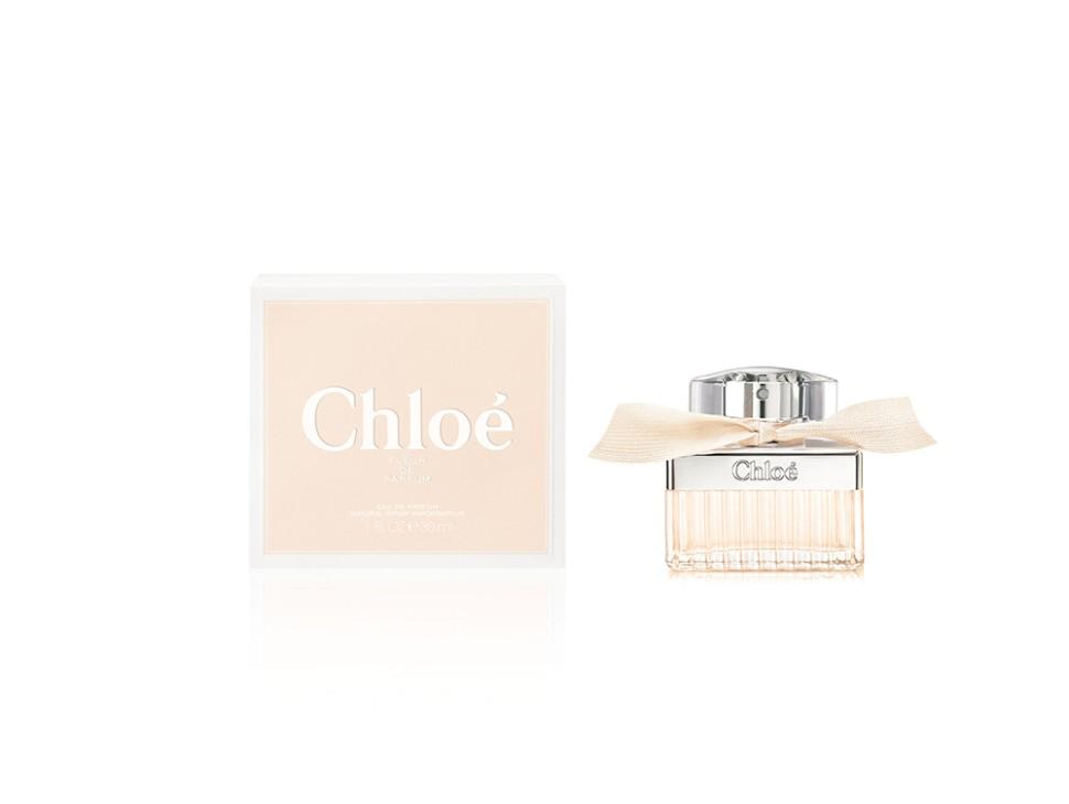 Chloe Love Парфюмерная вода 30 мл спрейChloe<br>Руководство по выбору:<br>Дневной и вечерний аромат<br>Описание:<br>Аромат Chloe Love является соучастником, вдохновленным интимностью прекрасного ритуала любви . Воздушное облако, смягчающее кожу, утонченный завершающий штрих. Прекрасный пудровый аромат, легкий и чувственный с цветочными нотами, флуоресцирующий и мускусный с нотами талька и риса. Этот аромат - концентрат эмоций.<br>Особенности состава:<br>Особенность аромата Chloe Love - Цветочный ноты смешаны в импрессионистском вихре - сирень, гиацинт, глициния.<br>Мнение эксперта:<br>Love, Chlo? - это сияющая, благородная и непринужденная женственность. Свободные и грациозные движения. Обворожительная красота.Mylene Alran- парфюмер дома<br>Состав:<br>Alcohol Denat., Aqua (Water), Parfum (Fragrance)<br><br>Вес г: 91<br>Бренд : Chloe<br>Объем мл: 30<br>Возраст : 20+<br>Страна производитель : Франция<br>Вид Аромата : Цветочный<br>Шлейф : Пудровый мускус, рис<br>Верхняя Нота : Цветы апельсина с холодным прикосновением розового<br>Верхняя Нота : Цветы апельсина с холодным прикосновением розового