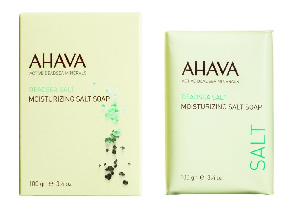 Ahava DEADSEA SALT Мыло на основе соли мертвого моря 100 грAhava<br>Очищающее, дружественное коже  мыло, содержащее соли Мертвого моря, увлажняет кожу во время умывания, удаляет грязь и примеси. Восстанавливает естественный рН -баланс, может быть использован для тела и лица. Без SLS / SLES и парабенов.Являясь единственной косметической компанией, расположенной на берегу Мертвого моря, цель и задача AHAVA состоит в том, чтобы предоставить достоинства Мертвого моря путем использования своих самых необычных ингредиентов и создания инновационных и эффективных продуктов для потребителей во всем мире.Способ применения:<br>ежедневно, нанести на влажную кожу и смыть<br>Особенности состава:<br>*Вся продукция не содержит парабены*Вся очищающие средства не содержат SLS / SLES (лаурет сульфат натрия). *Не содержит продуктов нефтепереработки, агрессивных синтетических ингредиентов и ГМО*Вся продукция гипоаллергена и опробована на чувствительной кожи.*Не тестируется на животных*Вся упаковка подлежит вторичной переработке*Вся продукция содержит формулу Osmoter™Состав:<br>Pottasium Lauryl Sulfate, Disodium Lauryl Sulfosuccinate,Corn (Zea Mays) Starch, Cetearyl Alcohol, Stearic acid, Aqua(Water), Sodiumchlorid, Sodium Sulfate, Citric Acid, Titanium Dioxide, Magnesiumcarbonat, Maris Sal (Dead Sea Salt), Parfum (Fragrance)Pottasium Lauryl Sulfate, Disodium Lauryl Sulfosuccinate,Corn (Zea Mays) Starch, Cetearyl Alcohol, Stearic acid, Aqua(Water), Sodiumchlorid, Sodium Sulfate, Citric Acid, Titanium Dioxide, Magnesiumcarbonat, Maris Sal (Dead Sea Salt), Parfum (Fragrance)Pottasium Lauryl Sulfate, Disodium Lauryl Sulfosuccinate,Corn (Zea Mays) Starch, Cetearyl Alcohol, Stearic acid, Aqua(Water), Sodiumchlorid, Sodium Sulfate, Citric Acid, Titanium Dioxide, Magnesiumcarbonat, Maris Sal (Dead Sea Salt), Parfum (Fragrance)Pottasium Lauryl Sulfate, Disodium Lauryl Sulfosuccinate,Corn (Zea Mays) Starch, Cetearyl Alcohol, Stearic acid, Aqua(Water), Sodiumchlorid, Sodium Sulfate, Citric Acid, T