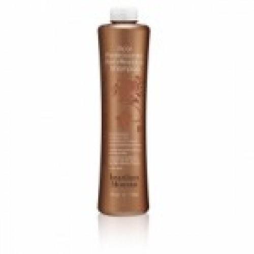 Brazilian Blowout Шампунь глубоко очищающий для волос на основе ягоды асаи 1000 млBrazilian Blowout<br>Основные преимущества товара:<br>первый подготовительный этап процедуры<br>глубокое очищение волос от загрязнений<br>pH равен 8.5<br>только для профессионального применения<br>Описание<br>Состав шампуня специально подобран таким образом, чтобы обеспечить бережную очистку волос и подготовить их к насыщению витаминами и аминокислотами и лучшему проникновению основного разглаживающего средства для выпрямления волос Brazilian Blowout. Активные компоненты без содержания сульфатов, входящие в состав глубокоочищающего шампуня, раскрывают кутикулу, удаляя загрязнения, стайлинг, жирные кислоты на поверхности волоса, делая их абсолютно чистыми с раскрытыми чешуйками.<br>Этап мытья волос глубокоочищающим шампунем Бразилиан Блоаут является основополагающим в процессе процедуры разглаживания волос, т.к. без глубокой очистки добиться желаемого результата оздоровления и преображения волос невозможно.<br>Глубокоочищающий шампунь для волос Бразилиан Блоаут  подходит для всех типов волос, вне зависимости от их начального состояния (сухие, ломкие, окрашенные, мелированные). Этот этап очищения абсолютно безопасен для кожи головы, даже чувствительной. Данный шампунь можно использовать также перед процедурой окрашивания волос с последующим проведением процедуры разглаживания Brazilian Blowout. В таком случае цветовые пигменты лучше проникнут внутрь волоса, и цвет будет более стойким и насыщенным, а процедура Brazilian Blowout закрепит эффект на волосах.<br>Применение<br>На влажные волосы нанести небольшое количество Профессионального Глубокоочищающего шампуня Brazilian Blowout, тщательно вымыть им волосы, уделяя особое внимание затылочной и височной зоне. Волосы необходимо мыть от 2 до 6 раз, в зависимости от степени загрязнения и частоты использования клиентом различных средств для укладки, пока волосы не станут «скрипящими» – в таком случае этап очищения считается законченным.<br>Посл