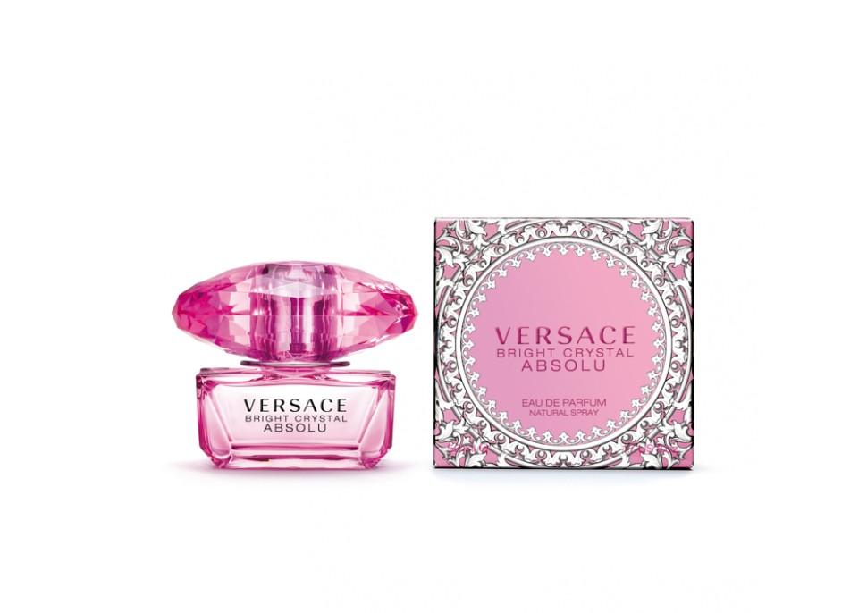 Versace Bright Crystal Absolu Парфюмированная вода спрей 30 млVersace<br>Versace представляет более насыщенную версию одного из самых популярных драгоценных ароматов, в котором ноты Bright Crystal усиливаются до предела. Абсолютная чувственность. Абсолютная прозрачность. Абсолютное сияние. Абсолютное искушение. Аромат стал еще более опьяняющим и стойким благодаря более насыщенной концентрации ароматических веществ. Он предназначен для женщины, которая готова довериться соблазнительным чарам Bright Crystal и непреходящему шику Versace.Мнение эксперта:<br>BRIGHT CRYSTAL ABSOLU - абсолютная форма выражения. Интенсивный, яркий, чувственный и чарующий. Флакон обладает абсолютной элегантностью и роскошью ярчайшего кристалла. Прежде всего, Bright Crystal Absolu - абсолютная квинтэссенция Versace. Донателла Версаче<br>Особенности состава:<br>Цветочный фруктовый мускусный<br>Состав:<br>ароматическая композиция, дистиллированная вода, бутилфенил метилпропионал, этил-эксил метоксицинамат, гидроксисогексил 3-циклогексин карбоксалдегид, линалул, цитронелол, этилгексил салисилат, бутил метоксидибензолметане, лимонен, этиловый спирт<br><br>Вес г: 172<br>Бренд : Versace<br>Объем мл: 30<br>Возраст : 14+<br>Страна производитель : Италия<br>Вид Аромата : Цветочный, фруктовый, мускусный<br>Шлейф : Красное дерево, Мускус, Амбра<br>Верхняя Нота : Гранат, Юзу, Ледяной аккорд<br>Верхняя Нота : Гранат, Юзу, Ледяной аккорд