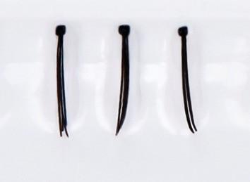 Limoni Individual Lashes Пучки ресниц индивидуальные черные (8 мм)Накладные ресницы, пучки, клей<br>Накладные пучки ресниц придают натуральным ресницам естественный объем, что делает взгляд более глубоким, распахнутым и выразительным.Марка Limoni предлагает Вам индивидуальные пучки ресниц 8мм, 10мм, 12 мм и ассорти в упаковках по 90 штук.Вы можете подобрать пучки ресниц идеально подходящие Вам по объему и длинне. Пучки имеют широкий спектр применения для моделирования длины и объем натуральных ресниц. Пучки выполнены из высококачественных синтетических волокон.Для достижения наилучшего результата рекомендуется использовать клей для накладных ресниц Limoni Eyelashes Glue прозрачный или черный.Вы можете приклеить ресницы в тех местах, где Ваши ресницы растут недостаточно густо, или просто придать дополнительный объем натуральным ресницам.<br><br>Вес г: 25<br>Бренд : Limoni<br>Тип продукта : пучки<br>Длина ресничек : 8 мм