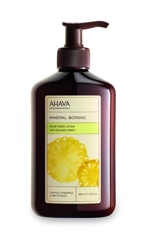 Ahava Mineral Botanic Бархатистый крем для телатропический ананас и белый персик 400 млAhava<br>Побалуйте свою кожу восхитительным ароматизированным лосьоном для тела на основе тропического ананаса и белого персика. Содержит патентованное средство компании AHAVA Osmoter™, сбалансированный концентрат минералов Мертвого моря, обогащен экстрактами тропического ананаса и белого персика. Этот легкий лосьон для тела увлажняет, успокаивает и улучшает структуру кожи. Являясь единственной косметической компанией, расположенной на берегу Мертвого моря, цель и задача AHAVA состоит в том, чтобы предоставить достоинства Мертвого моря путем использования своих самых необычных ингредиентов и создания инновационных и эффективных продуктов для потребителей во всем мире.Способ применения:<br>Нанести небольшое количество на чистую кожу тела, распределить широкими движениями.<br>Особенности состава:<br>*Вся продукция не содержит парабены*Вся очищающие средства не содержат SLS / SLES (лаурет сульфат натрия). *Не содержит продуктов нефтепереработки, агрессивных синтетических ингредиентов и ГМО*Вся продукция гипоаллергена и опробована на чувствительной кожи.*Не тестируется на животных*Вся упаковка подлежит вторичной переработке*Вся продукция содержит формулу Osmoter™*Вся продукция не содержит парабеныСостав:<br>Aqua (Mineral Spring Water), Aloe Barbadensis Leaf Juice, Glycerin, Ceteareth-30, Cetearyl Alcohol, Isohexadecane, Cyclomethicone, Cetyl Alcohol, Ethylhexyl Palmitate, Butyrospermum Parkii (Shea) Butter, Parfum (Fragrance), Phenoxyethanol, Maris Aqua (Dead Sea Water), Sodium Cetearyl Sulfate, Caprylyl Glycol, Chlorphenesin, Ananas Sativus (Pineapple) Fruit Extract, Propylene Glycol, Prunus Persica (Peach) Fruit Extract, Xanthan Gum, Sodium Citrate, Citric Acid, Hexyl Cinnamal, Butylphenyl Methylpropional, Hydroxyisohexyl 3-Cyclohexene Carboxaldehyde, Alpha Isomethyl Ionone, Citronellol.<br><br>Вес г: 450<br>Бренд : Ahava<br>Объем мл: 400<br>Возраст : 12+<br>Страна производитель : И