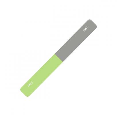 Vivienne Sabo пилка для ногтей ТрехсторонняяVivienne Sabo<br>Пилки для ногтей с разной степенью абразивности - идеальный инструмент <br>для придания ногтям правильной формы и идеального блеска. Пилки имеют <br>пластиклвую основу, делающую их прочными и долговнчными, и декорированы <br>стильными принтами. Комбинации рабочих сторон разной степени жесткости <br>дадут возможность обработать край ногтя любой толщиныс профессиональной <br>точностью. Добавьте ослепительного блеска ногтям трехсторонней пилкой с <br>полировщиком. Две рабочие поверхности с абразивностью 0/0/180 позволят <br>придать форму и обработать края натуральных или скусственных ногтей, а <br>полировщик - выровняет поверхность и придаст блеск. Действуйте в три <br>шага, последовательность которых указана на поверхности пилки.<br><br>Вес г: 20<br>Бренд: Vivienne Sabo<br>Страна производитель: Франция