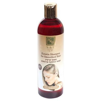 Health&amp;Beauty Шампунь кератиновый для волос 400 млHealth&amp;Beauty<br>Показания: Шампунь на основе кератина и масел аргании и жожоба успокаивает раздраженную кожу, укрепляет корни, снимает зуд и раздражение, предупреждает обезвоживание кожи головы и появление перхоти, делает волосы блестящими и мягкими на ощупь, восстанавливает структуру волос, разрушенную в результате воздействия окрашивающих средств и химической завивки.Действие: Экстракт Алоэ Вера, обогащенный огромным количеством аминокислот и витаминов, помогает восстановить и увлажнить кожу головы и корни волос. Кератин обволакивает волос, выпрямляет и делает волосы более плотными и мягкими. Натуральное масло аргании, входящее в состав шампуня, эффективно восстанавливает внешний вид волос, делает волосы более гладкими, помогает расчесать спутанные волосы. Содержащийся в шампуне экстракт ромашки предупреждает выпадение, укрепляет луковицы, поддерживает чистоту и свежесть волос.Способ применения: Вспенить, нанести на волосы, помассировать и смыть.Активные ингредиенты: Кератин, масло аргании, экстракт ромашки, экстракт алоэ вера, масло жожоба, витамин<br><br>Вес г: 450<br>Бренд: Health &amp; Beauty<br>Объем мл: 400<br>Тип волос: сухие, поврежденные, окрашенные, после хим. завивки, тонкие и ослабленные, длинные и секущиеся<br>Действие: укрепление, восстановление, против перхоти, блеск и эластичность, разглаживание<br>Тип средства для волос: шампунь<br>Страна производитель: Израиль