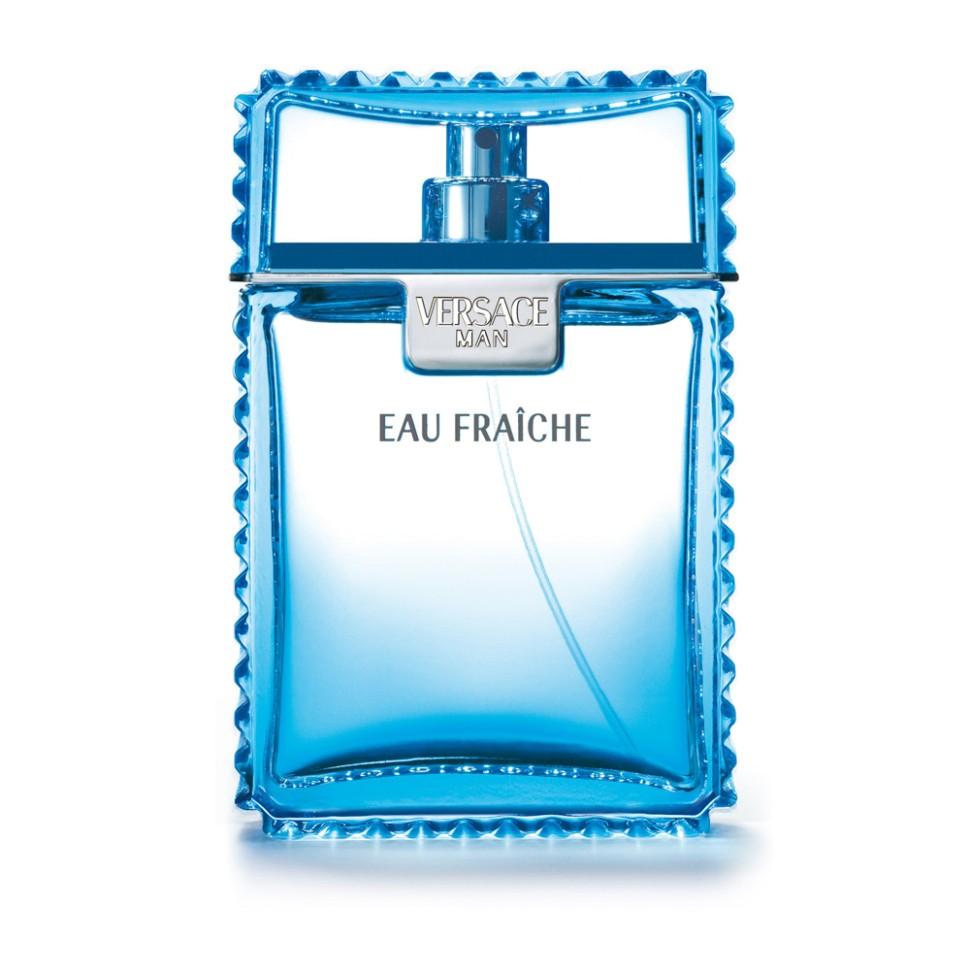 Versace Eau Fraiche Парфюмированный дезодорант спрей 100 млVersace<br>Это ароматическая композиция, где классические мужские нотки несколько разбавлены более свежими аккордами, придающими аромату необыкновенно легкие оттенки. Этот аромат для мужчины, который силен душой, свободен и знает, как наслаждаться жизнью, как бы выпивая ее небольшими глотками.<br>Мнение эксперта:<br>VERSACE MAN СИМВОЛИЗИРУЕТ СОБОЙ ЭЛЕГАНТНОСТЬ И СОБЛАЗН. ЭТОТ АРОМАТ ПОСВЯЩЕН СОВРЕМЕННОМУ, УВЕРЕННОМУ В СЕБЕ МУЖЧИНЕ С ВЫРАЖЕННОЙ ХАРИЗМОЙ. Донателла Версаче<br>Особенности состава:<br>Ароматический тонизирующий древесный<br>Состав:<br>дистиллированная вода, ароматическая композиция, триклозан, лимонен, этилгесилметоксинамат, бутилметоксиди-бензолметан, линалул, этилгексилсалицилат, цитраль, этиловый спирт<br><br>Вес г: 419<br>Бренд : Versace<br>Объем мл: 100<br>Тип дезодоранта : спрей<br>Страна производитель : Италия