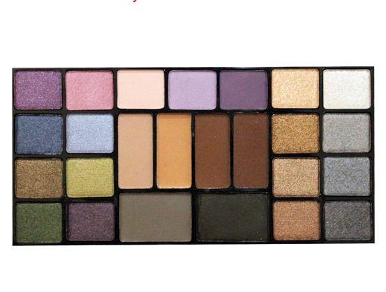 ТРИУМФ TF Набор теней 25 цветов Color Palette Eyeshadow (02 микс серого фиолетово-коричневого)ТРИУМФ TF<br>Палитра теней прекрасно подходит для дневного, вечернего и свадебного макияжа. В палитре собраны как холодные, так и теплые оттенки, матовые и перламутровые, для создания макияжа в стиле Smoky Eyes, для всех цветотипов. Палетка располагает полной гаммой оттенков – от нейтральных до очень ярких;  все высоко пигментированы.<br><br>Вес г: 120<br>Бренд : Триумф TF<br>Способ нанесения : сухой<br>Эффект на веках : перламутровый<br>Тип теней : палитра теней<br>Страна производитель : Польша