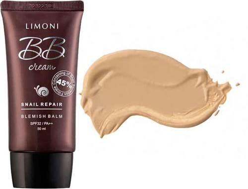 Limoni Snail Repair BB крем для лица маскирующий тон №2Антивозрастной, отбеливающий BB крем Snail Repair от Лимони, защищает от солнечных лучей SPF 32 / PA ++Восстановление кожи – 45% экстракта слизи улитки. Слизь улитки содержит муцин, эффективно регенирирующий кожу.Аденозин и пептид — сертифицированные компоненты, которые предотвращают и устраняют признаки старения кожи. Обладают лифтинговым эффектом. Отбеливает -Арбутин. Арбутин отбеливает, очищает кожу, контролирует пигментацию кожи.Защита от солнца – SPF 32/PA ++. Защищает от солнечных лучей, и предотвращает кожу от повреждений, блокируя вредное воздействие от прямых солнечных лучей. Дает абсолютно натуральный эффект. Гиалуроновая кислота, Аллантоин, Глицерин увлажняют. Витамин B5, Витамин E, бета-глюкан - Антиоксиданты, компоненты для упругости кожи. Арника, Полынь (лечебная), Тысячелистник, Экстракт горечавки - успокаивающие кожу компоненты. Папайа, Лаванда, Экстракт плода дерена увлажняющие и питательные компоненты.Способ применения: Нанести небольшое количество крема на очищенную кожу лица и шеи по массажным линиям. Дать крему впитаться.Объем: 50 мл.Производитель: Корея<br><br>Вес г: 200<br>Бренд : Limoni<br>Тип кожи : нормальная, сухая<br>Консистенция : крем<br>Тип крема : увлажняющий, антивозрастной, восстанавливающий, солнцезащитный, витаминизированный, BB крем<br>Возраст : до 25<br>Эффект : лифтинг-эффект, сияние, уменьшение пигментации<br>По времени суток : дневной уход