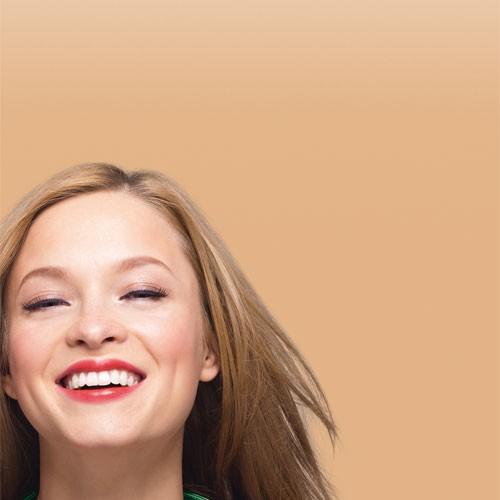 Bourjois Крем корректор тона CC Cream (33 beige rose)Bourjois<br>Новое поколение тональных кремов!  CC cream сочетает в себе:   3 корректирующих пигмента, которые стирают недостатки:   Цвет абрикоса «против усталости» - придает лицу сияние и великолепный оттенок  Зеленый цвет «против покраснений» - скрывает покраснения   Белый цвет «против пятен» - маскирует пятна на коже  УХОД:  •Увлажнение 24 часа  •Солнцезащитный фактор SPF15  •Инновационная формула: без содержания масел, с ультра-легкими пигментами для идеально ровного покрытия, который подходит любому типу кожи (даже очень сухой коже), а также восстанавливающий экстракт белого чая  ФОРМУЛА:  Невесомо легкая текстура!  - Крем идеально ложится на кожу, создавая эффект второй кожи, и не ощущается на коже  РЕЗУЛЬТАТ:   светящийся цвет лица и гладкая кожа за один шаг.<br><br>Вес г: 30<br>Бренд : Bourjois<br>Упаковка : тюбик<br>Тип кожи : все типы кожи<br>Степень покрытия : плотная<br>Эффект от нанесения : сияние<br>Тип тонального средства : с SPF<br>Фактор SPF : 15<br>Страна производитель : Франция