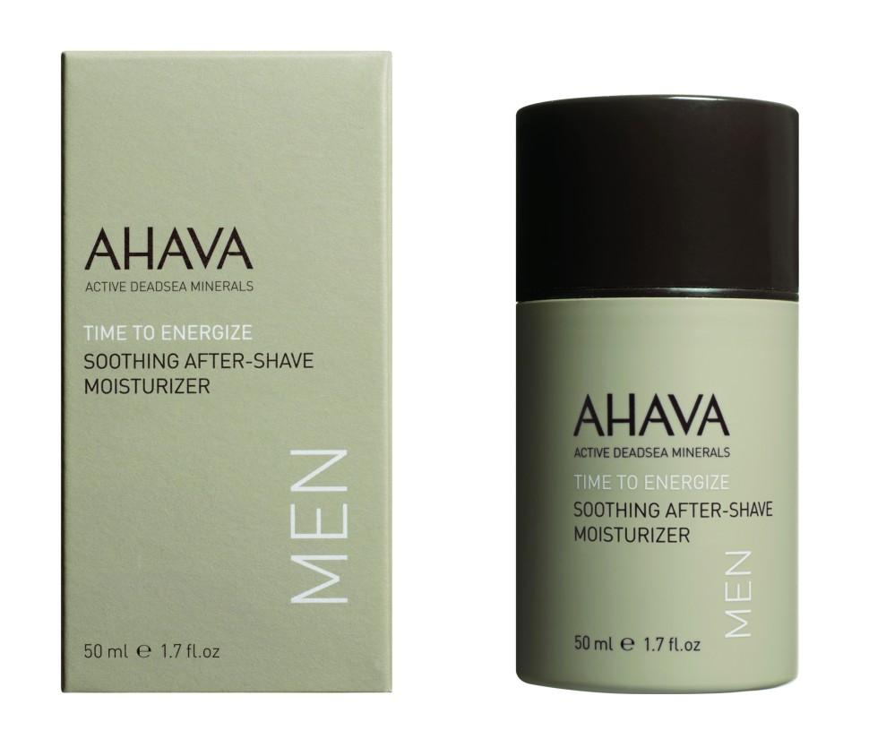 Ahava Time To Energize Успокаивающий увлажняющий крем после бритья 50 млAhava<br>Освежающий быстро впитывающийся увлажняющий крем, обогащенный минералами Мертвого моря, успокаивает и смягчает кожу после бритья. Серия косметической продукции АХАВА для мужчин призвана улучшить внешний вид кожи и цвет лица, сделать кожу гладкой, придать ей энергию. В состав всех изделий входит комплекс Mineral Skin Osmoter, компании АХАВА. Он представляет собой эффективный состав тщательно отобранных минеральных веществ, которые укрепляют мужскую кожу и питают ее энергией. Этот уникальный состав переносит влагу и питательные компоненты из глубоких слоев в эпидермис, восстанавливая кожу и возвращая ей естественные функции. Способствует заживлению мелких порезов, содержит антибактериальные компонентыЯвляясь единственной косметической компанией, расположенной на берегу Мертвого моря, цель и задача AHAVA состоит в том, чтобы предоставить достоинства Мертвого моря путем использования своих самых необычных ингредиентов и создания инновационных и эффективных продуктов для потребителей во всем мире.Способ применения:<br>Нанести на чистую сухую кожу после бритья для мгновенного впитывания и быстрого эффекта. Гипоаллергенен. Разрешен для чувствительной кожи. Не содержит спирта. <br>Особенности состава:<br>*Вся продукция не содержит парабены*Вся очищающие средства не содержат SLS / SLES (лаурет сульфат натрия). *Не содержит продуктов нефтепереработки, агрессивных синтетических ингредиентов и ГМО*Вся продукция гипоаллергена и опробована на чувствительной кожи.*Не тестируется на животных*Вся упаковка подлежит вторичной переработке*Вся продукция содержит формулу Osmoter™Состав:<br>Aqua (Mineral Spring Water), Hexyl Laurate, Behentrimonium Methosulfate, Propanediol(Corn derived Glycol), Aluminum Starch Octenylsuccinate, Cyclomethicone, Glycerin, Hamamelis Virginiana (Witch Hazel)Flower Water, Phenoxyethanol, Glyceryl Stearate, PEG-100 Stearate,Aloe Barbadensis Leaf Juice, Maris Aqua (Dead Sea Water(,