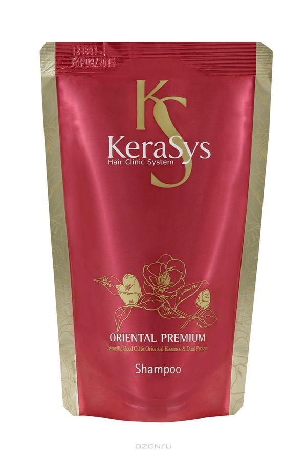 KeraSys Шампунь для волос Oriental восстанавливающий поврежденные волосы и укрепляющий корни (Запаска 500 мл)KeraSys<br>Какими бы сильными и здоровыми волосами не наделила бы нас природа, их привлекательность без полноценного ежедневного ухода не возможна. Шампунь KeraSys Oriental Premium – продукт известного корейского бренда, способный удовлетворить требования даже самой взыскательной дамы. Это идеальное сочетание традиционного восточного подхода к изготовлению косметики и инновационных технологий современности.  Регулярное использование такого шампуня подарит вашим волосам здоровый блеск, упругость, шелковистость и максимальную увлажненность. Шампунь для волос KeraSys Oriental Premium порадует вас легкостью и экономностью применения. Кроме того, он обеспечивает:    кондиционирующий эффект, увеличивающий волосы в объеме и обеспечивающий легкость их расчесывания;  укрепление волосяных луковиц и защиту кутикулы;  устранение сухости локонов;  шелковистость и непревзойденный здоровый вид вашей прически;  лечение и профилактику выпадения волос и стимуляцию их активного роста.  Oriental Premium от Керасис оказывает благотворное влияние на волосы, пересушенные и поврежденные постоянными окрашиваниями и другими не щадящими процедурами.    За время своего существования на рынке стран СНГ высокоэффективный натуральный шампунь для волос KeraSys Oriental Premium отзывы заслужил исключительно положительные. Наличие в его составе целого комплекса чудодейственных травяных экстрактов обеспечивает максимальное питание волос. Натуральные экстракты женьшеня, орхидеи, граната, жгун-корня, листьев камелии, а также ангелики насыщают волосы полезными витаминами и минералами.  По отзывам потребителей, шампунь Керасис Oriental Premium отлично увлажняет локоны, предотвращает выпадение и стимулирует рост новых волос. Основным действующим компонентом данного косметического средства является масло камелии. На шампунь для волос KeraSys отзывы подтверждают, что натуральное растительное масло пр