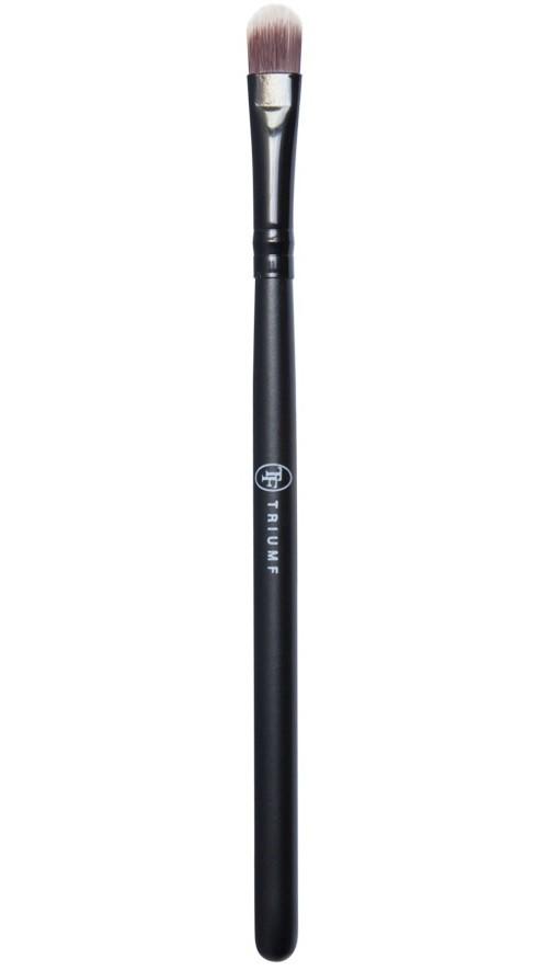 ТРИУМФ TF Кисть для теней EB01ТРИУМФ TF<br>Кисть для теней (средняя). Кисть для нанесения и растушевки теней.Средняя кисть, плоская у основания, закругленная. Равномерное нанесение. Возможно сделать цветовые акценты.Материал: синтетический ворс по свойствам приближенный к натуральному, ручка-пластик.Размер: 135 мм.<br><br>Вес г: 20<br>Бренд : Триумф TF<br>Страна производитель : Польша<br>Материал кистей : синтетика<br>Вид кистей : наборы кистей, плоская, средняя, закругленная<br>Предназначение кистей : для теней<br>Длинна мм: 135