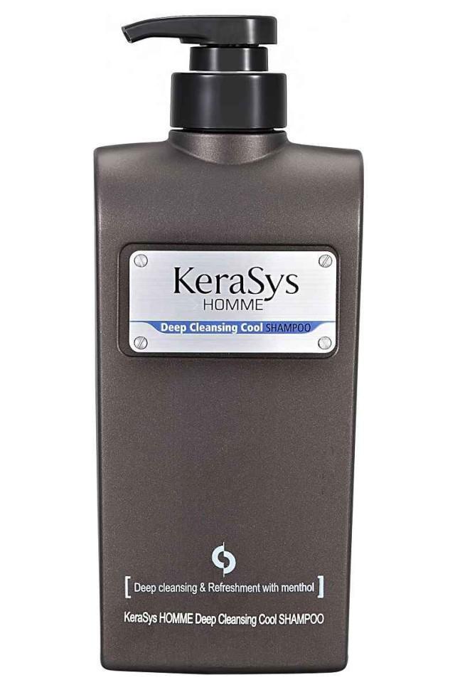 KeraSys Шампунь для волос Освежающий мужскойKeraSys<br>Керасис ОСВЕЖАЮЩИЙ ДЛЯ МУЖЧИН<br>Шампунь для волос<br>Kerasys HOMME Deep Cleansing Cool ShampooТип кожи головы: все типы кожи головы и волос.Специально разработанная формула для мужских волос. Эффективно удаляет с волос загрязнения, пот, неприятный запах. Натуральный экстракт мяты дарит приятное чувство прохлады и заряжает энергией. Создает хорошую основу для стайлинга.Kerasys – профессиональный  за волосами в домашних условиях.Объем: 550 мл<br><br>Вес кг: 600<br>Бренд: KeraSys<br>Объем мл: 550<br>Страна производитель: Корея