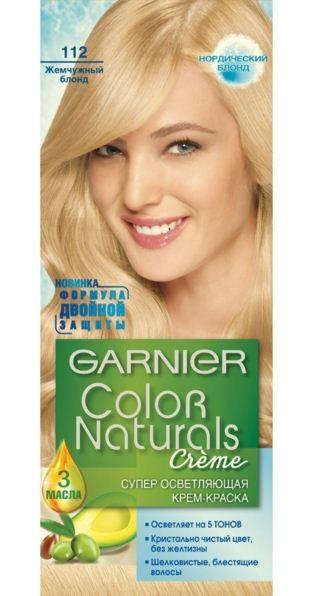 Garnier Краска для волос Color Naturals (112 Жемчужный блонд)Краска для волос<br>Глубокое питание, насыщенный цвет, стойкость более 8 недельСпециальная формула краски для волос Garnier Color Naturals, обогащенная 3 маслами, проникает в самое сердце волоса и интенсивно питает его. Благодаря глубокому питанию волосы лучше насыщаются цветом и сохраняют его надолго. Крем-краска Гарньер Колор Нэчралс имеет кремообразную текстуру, которая легко наносится, не течет и имеет приятный аромат.<br>Результат: <br>Стойкость более 8-ми недель<br>Глубокое питание волос<br>100% закрашивание седины<br><br>Вес г: 150<br>Бренд : Garnier<br>Вид краски для волос : стойкая краска<br>Оттенок краски для волос : 112 Жемчужный блонд