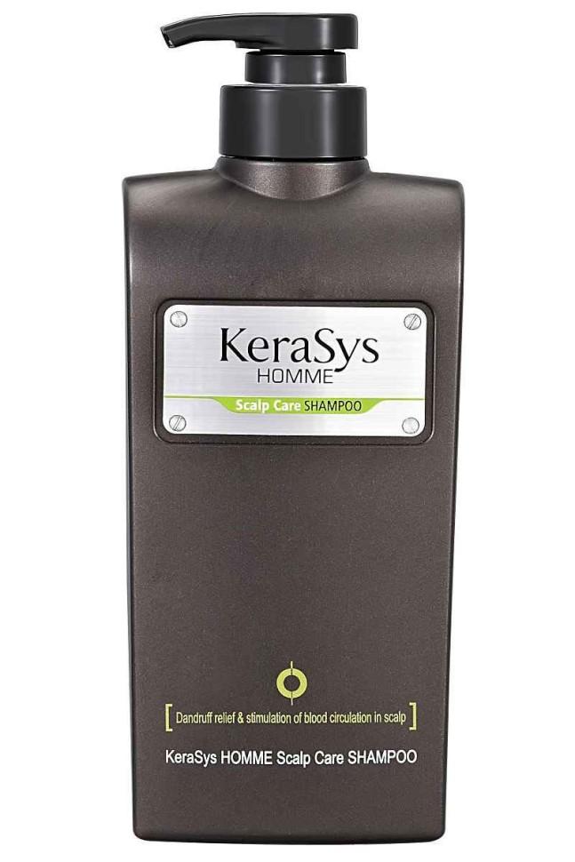 KeraSys Шампунь для мужчин для лечения сухой чувствительной кожи головыKeraSys<br>Керасис ЛЕЧЕНИЕ КОЖИ ГОЛОВЫ ДЛЯ МУЖЧИН<br>Шампунь для волос Kerasys HOMME Scalp Care ShampooТип кожи головы: сухая, чувствительная.Специально разработанная формула для мужских волос. Эффективно борется с перхотью, зудом и другими проблемами кожи головы. Богатые минералами океанические воды улучшают кровообращение и стимулируют регенерацию клеток кожи головы. Экстракты натуральных трав снимают напряжение и усталость.Kerasys – профессиональный уход за волосами в домашних условиях.<br><br>Вес г: 600<br>Бренд : KeraSys<br>Объем мл: 550<br>Страна производитель : Корея
